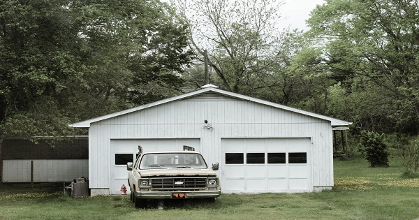 Attached or Detached – Which Garage Is Best For Your Home?